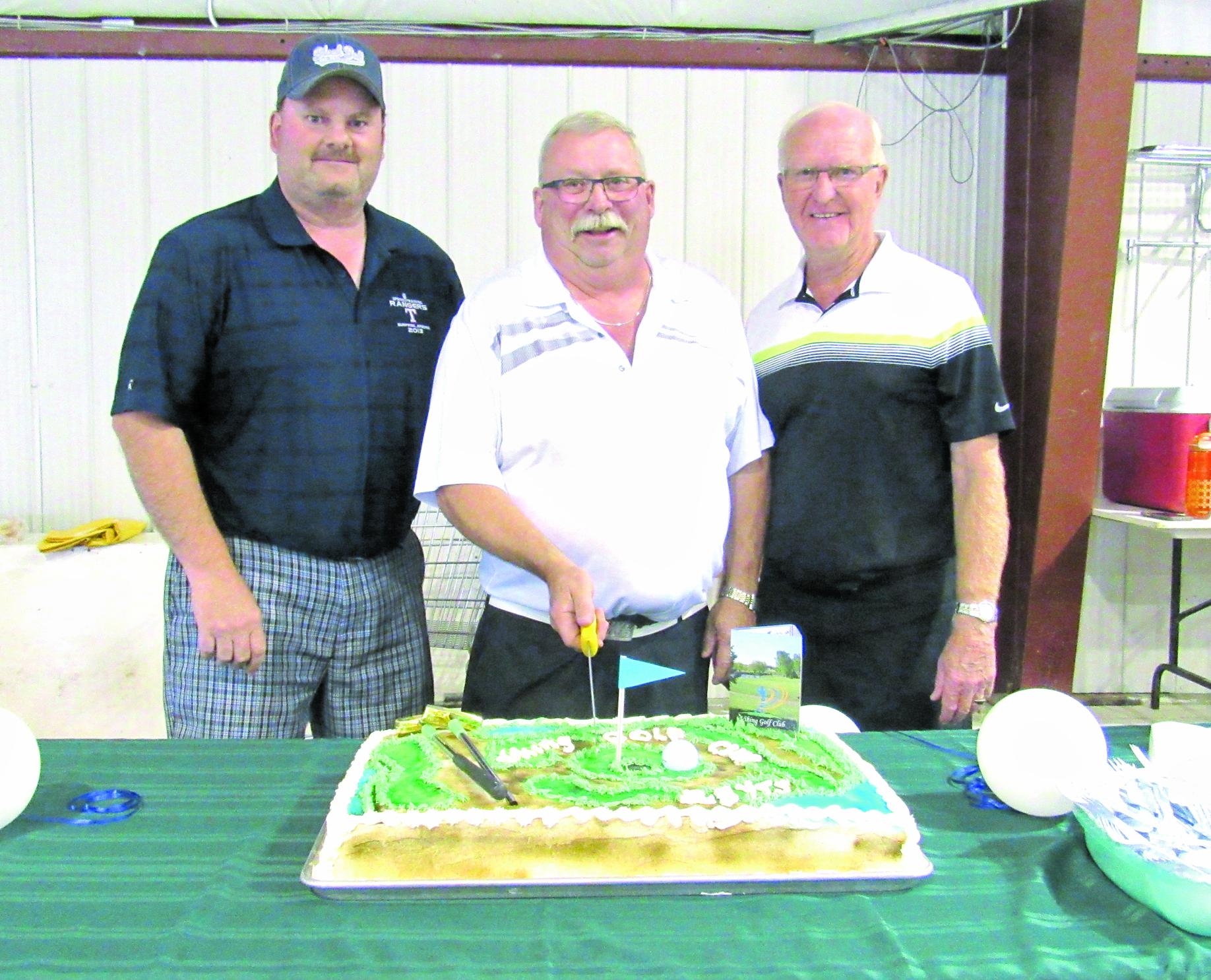 Golf course cake Aug9-16